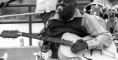 271px-CeDell_Davis_(blues_musician)